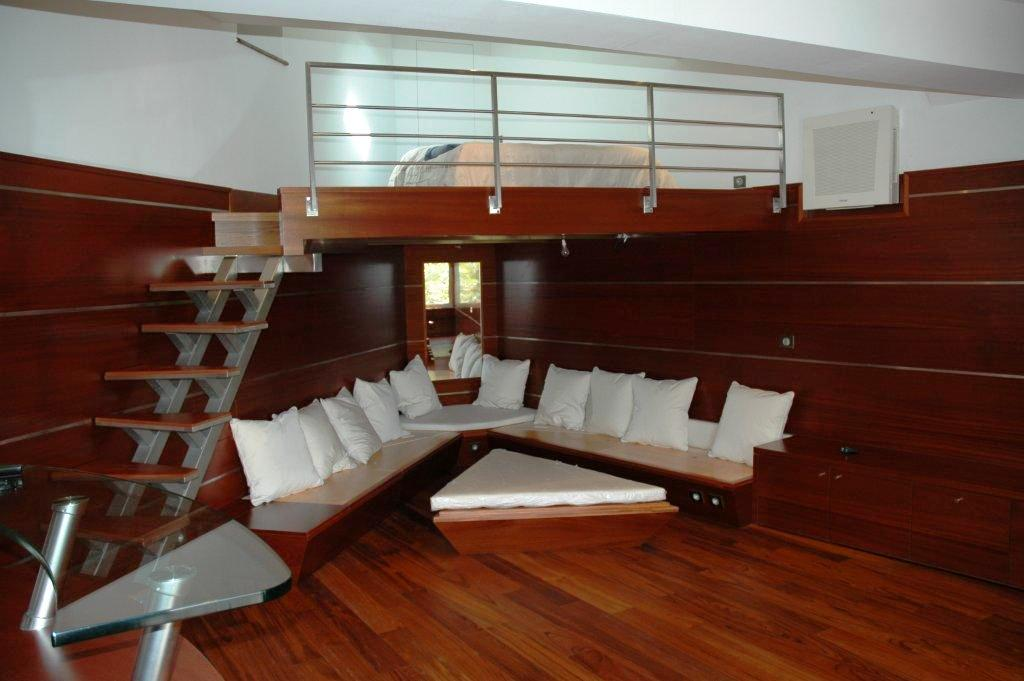 escalier pas japonais sur mesure cassis marseille miramond. Black Bedroom Furniture Sets. Home Design Ideas