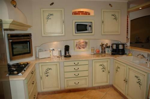 Agencement de cuisine et salle de bain marseille miramond - Cuisine de tonge ...
